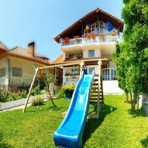 Giulia House in Olănești